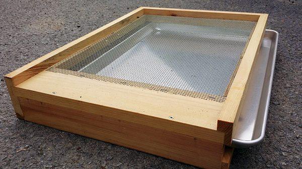 Hive Beetle Bottom Board and Pan